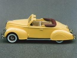 Durham classics 1938 lincoln zephyr convertible top down model cars 64eeed3b c30b 43d9 9163 48fee58e4ebb medium