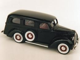 Durham classics 1939 ford bus model trucks 4c4f2963 6ecc 4a6e b28e c8ed6256b775 medium