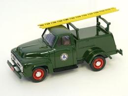 Durham classics 1953 f100 utilities truck model trucks 53d62450 2d86 4cdb b870 983a01e6ad3e medium