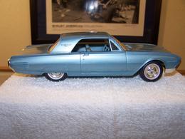 Amt 1961 ford thunderbird promo model car model cars 6ad620cc 31b7 48b3 83e0 596c73c37621 medium