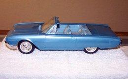 Amt 1961 ford thunderbird convertible promo model car model cars c8a8bebf 476c 42a8 bbc4 dbb152696a48 medium