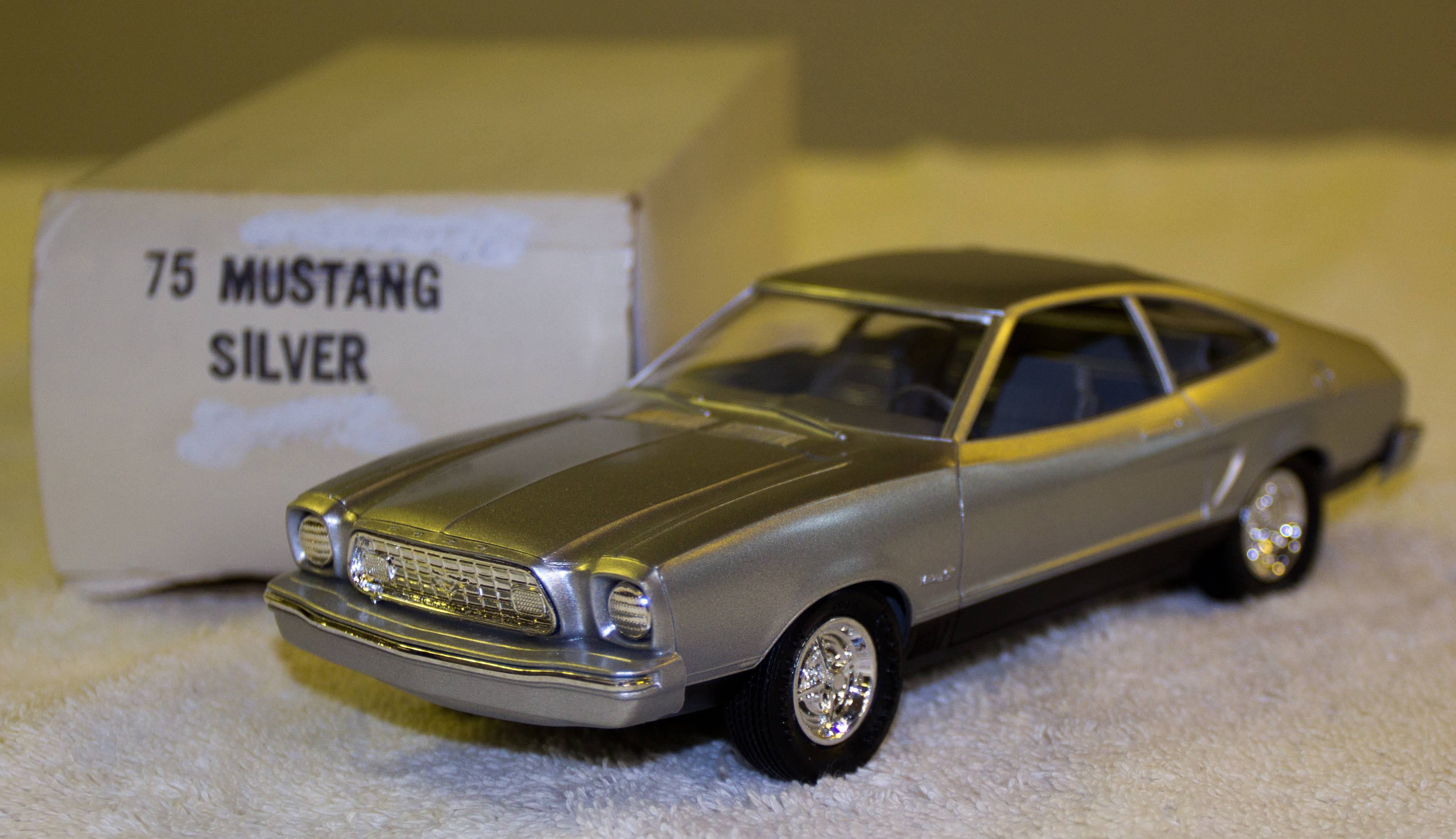 1975 Ford Mustang II Mach I Fastback Promo Model Car | Model Cars | hobbyDB & 1975 Ford Mustang II Mach I Fastback Promo Model Car | Model Cars ... markmcfarlin.com