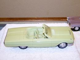 Amt 1964 ford thunderbird convertible promo model car model cars 1a2df5be b4d1 4cad 830e 76c4dd8eff08 medium