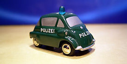 Schucco picollo bmw isetta polizei model cars ef1fc1b8 8503 4255 b9d9 d7501de209e2 medium