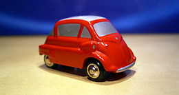Schucco picollo bmw isetta model cars c2be22dd 1af7 4e70 a730 f6a93b55336a medium
