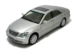 Paudi model 2005 toyota crown  model cars bccdade7 92fc 4c12 8193 f655982bf820 medium