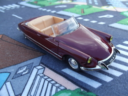 Norev citro%25c3%25abn ds 19 cabriolet model cars b5813e2a 61c9 4662 8737 2380bfcdd0cb medium