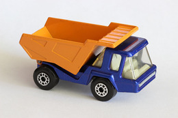 Matchbox superfast atlas dump truck model cars bc0cfd93 4055 4195 a523 6581a2d791ac medium
