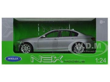 2010 BMW (F10) 535i | Model Cars