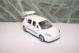 Majorette serie 200 renault scenic ii model cars 75d24dd1 c978 49ae 8245 8e24784c691f medium