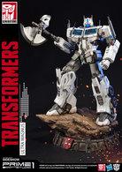 Ultra Magnus- Transformers Generation 1    Statues & Busts