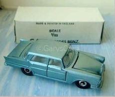 Mercedes benz 220 se model cars a5f9028f b758 4504 a463 d1771e2cda30 medium