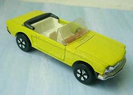 Ford mustang convertible model cars bae2a230 6dc7 4fa7 8a0f 1928a35ce1e0 medium