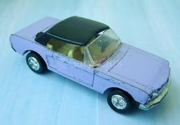 Ford mustang hardtop model cars c1fa958d e5ae 49e5 86cf 12f35b27b71d medium