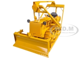 1944 Caterpillar D4 Tractor with Bulldozer and Winch | Model Construction Equipment