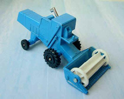 Combine Harvester | Model Farm Vehicles & Equipment