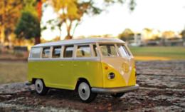 Volkswagen Bus   Model Cars
