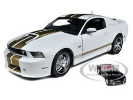 2012 Shelby Mustang GT350 with 1/64 1962 Shelby Cobra 50th Anniversary Edition | Model Cars