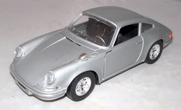 Porsche 911s model cars 91ce8260 ec82 4454 b095 f9a28a1be676 medium