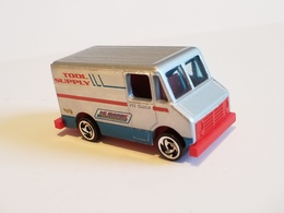 Delivery van model trucks 43b6e6ed cb99 452e 9d95 cca58d49b0a4 medium