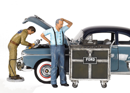 Ford Service Center (1945)   Figure & Toy Soldier Sets