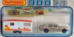 Ford Cortina with MB57 Caravan | Model Vehicle Sets
