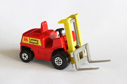 Matchbox 1 75 series fork lift truck model cars cc785d2c 4841 44f2 971f af45ef6b3a46 medium