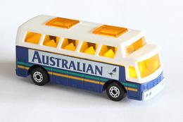 Matchbox 1 75 series airport coach model cars afb06dc8 bcef 46e4 ab4f a5f6a5cb1de4 medium