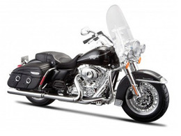 2013 Harley Davidson FLHRC Road King Classic | Model Motorcycles
