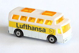 Matchbox 1 75 series airport coach model cars cd888a28 1a8b 471f 998b 615663457b1f medium