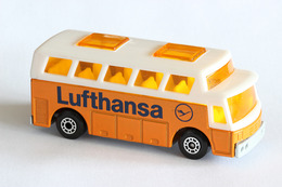 Matchbox 1 75 series airport coach model cars f5dd415c 1d67 4673 a6c6 ee10ce7bfe94 medium