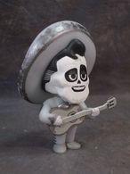 Ernesto vinyl art toys 15b43d62 1545 4241 8b41 83b0c1f69d25 medium