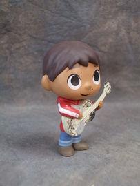Miguel (Guitar) | Vinyl Art Toys
