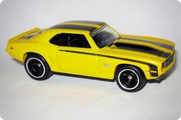Hot wheels larry%2527s garage chevrolet 1969 camaro model cars 240f8827 5207 43a3 84b9 765a2a14ba95 medium