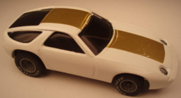 Porsche 928 model cars c0ce4215 ac39 41f2 a0d7 3b35ab752ac0 medium