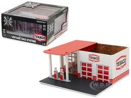 Texaco Vintage Gas Station   Model Buildings and Structures