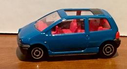 Renault twingo model cars b18e9e4f cda5 4ed0 b79b 3315067d581d medium