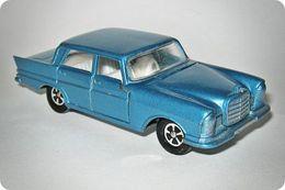 Lone star road master flyers super cars mercedes benz 220 se model cars 58dcce59 47fb 4d79 a156 e7192b1f66af medium
