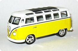 Playing mantis johnny lightning volkswagens r5 volkswagen samba bus model cars 54531ffc d857 4fcd a460 ef6369f2caae medium