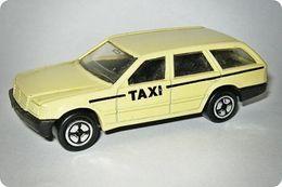 Corgi mercedes benz 300 td model cars 6f713573 897a 4097 8f95 c04ad3e5c000 medium