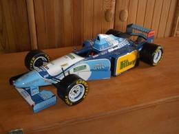 Benetton ford b195   michael schumacher   1995 model racing cars fe584441 625f 4f2d a9f6 44dd60c2e63f medium