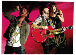 "Lady Antebellum ""NEED YOU NOW"" signed autograph with C.O.A. 