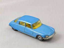 Siku v series citroen ds 21 model cars 9a53eb3b 517b 417a 9a33 8c56e87884f8 medium