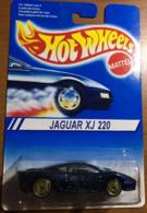 Jaguar xj220     model cars b6abff38 5528 4fac afa0 e16d4e26f06c medium