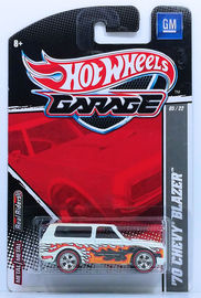 '70 Chevy Blazer | Model Trucks | HW 2011 - Garage / GM Series 05/22 - '70 Chevy Blazer - White with Flames - Metal/Metal & Real Riders - 30-Car Set Exclusive