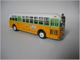 1948 General Motors TDH-3610 (1955 Rosa Parks) | Model Buses | photo: Fabrizio P