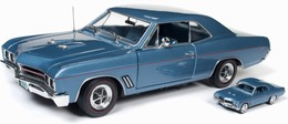 1967 Buick GS Hardtop 1/18 and 1/64 2-Pack | Model Vehicle Sets