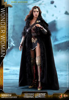Wonder Woman (Deluxe Version) | Action Figures