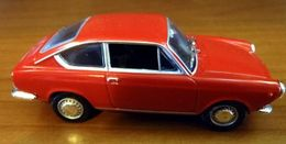Hachette fiat story fiat 850 coupe model cars 40f44031 a3d5 476d aa27 81bb1ceed4c6 medium