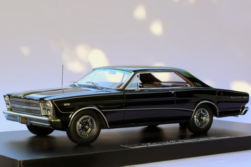1966 Ford Galaxie 500 7-Liter Hardtop | Model Cars